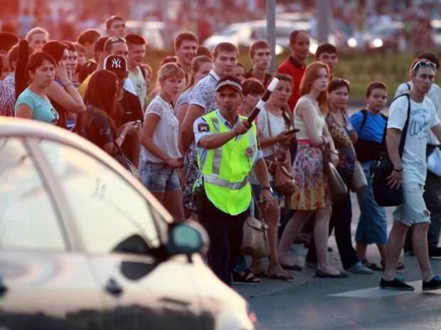 Правительство запретило обгон на пешеходных переходах и ужесточило правила возврата удостоверений за пьяную езду