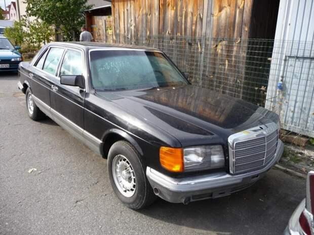Но что его сподвигло купить в свое время бронированный Mercedes-Benz 280SEL для меня остается загадкой. W126, mercedes, mercedes-benz, авто, ален делон
