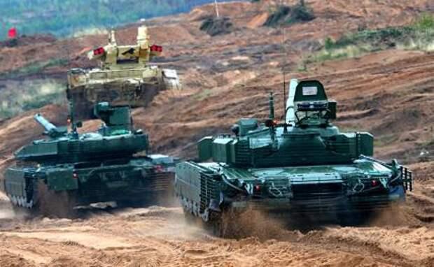 """На фото: БМПТ """"Терминатор"""", танк Т-90М и танк Т-80БВМ (слева направо) во время основного этапа совместных стратегических учений России и Белоруссии"""