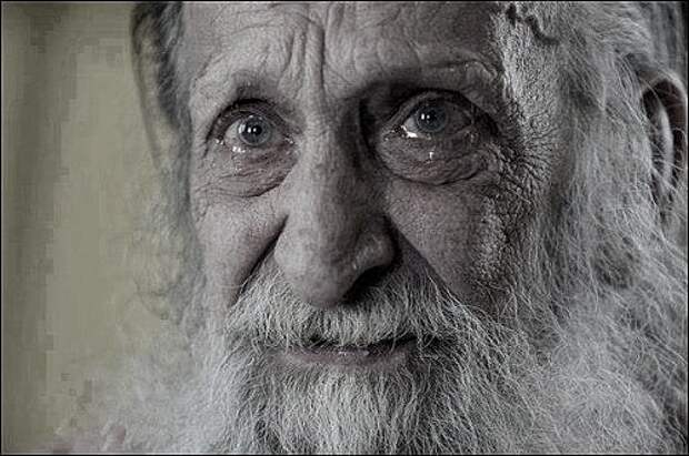 Бандиты напали на хижину старика в Тайге. Однако увидев, кто пришел защищать деда, попытались сбежать, но было поздно.
