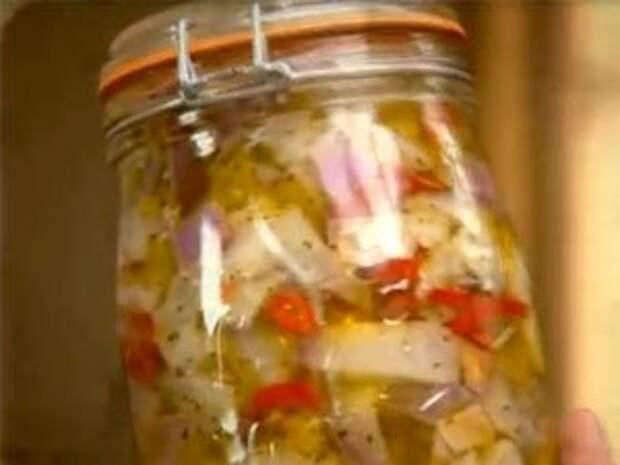 Баклажаны с чесноком, маринованные в ароматном масле — Рецепты Джейми Оливера