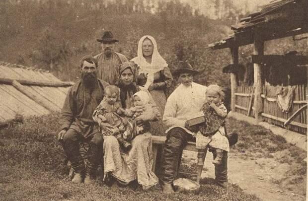 Без прикрас и цензуры: Какой была жизнь русских женщин в деревне конца XIX века