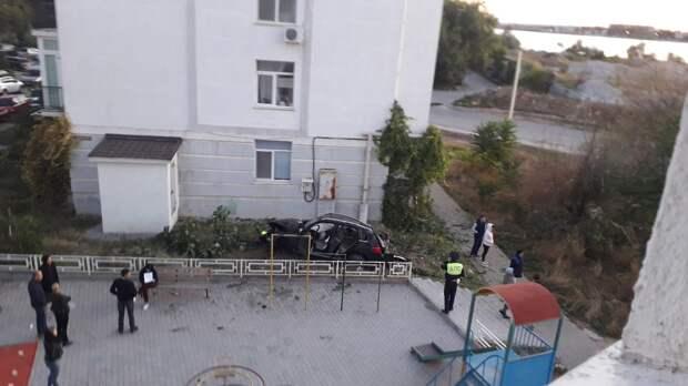 Арестованный приставами «Мерседес» не прошел краш-тест во дворе Севастополя