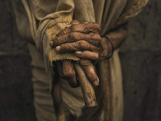 Пожилой человек в Бангладеше