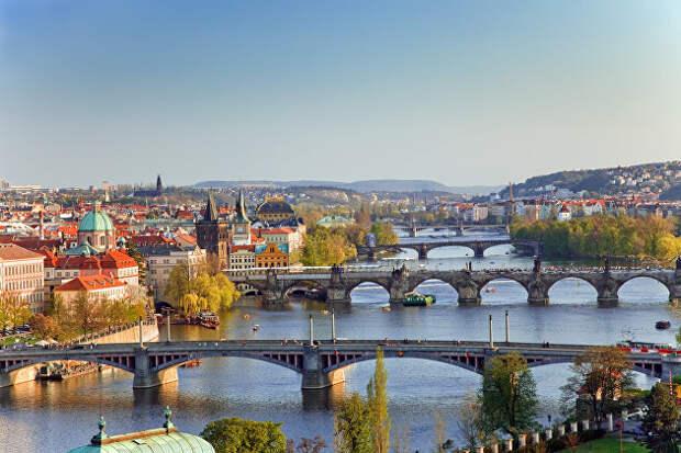 Чехию покинут 18 российских дипломатов, Россию - 20 чешских