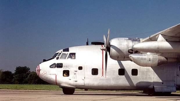 Более 20 человек выжили при крушении самолета McDonnell Douglas в Техасе