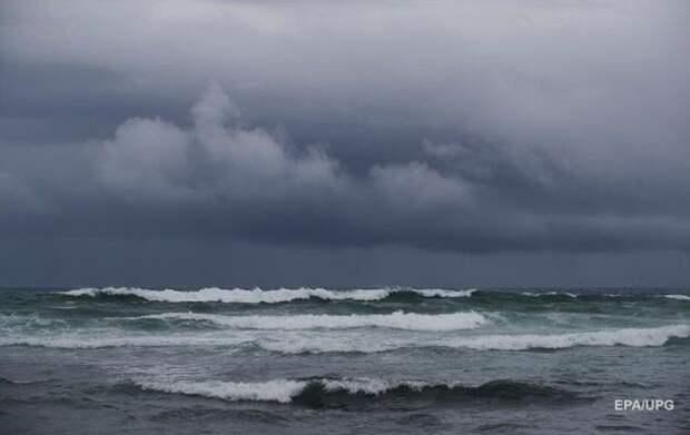 Шторм Laura возле США усилился до урагана