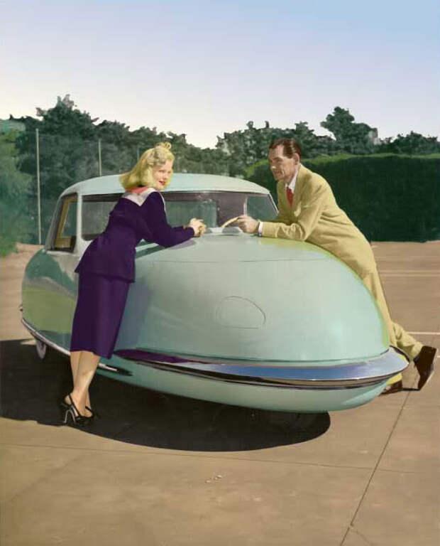 Davis Divan Sedan (1948)