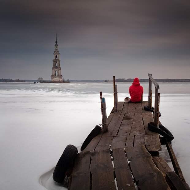 12. Затопленная колокольня, г. Калязин. Фото: Сергей Новожилов