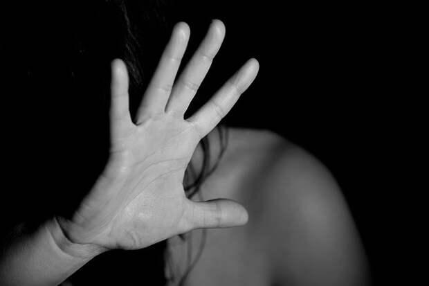 Россиянин заразил ВИЧ-инфекцией двух своих жен и их малолетних дочерей
