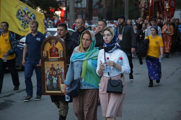60 тысяч человек прошли крестным ходом в Екатеринбурге в память о Царской семье