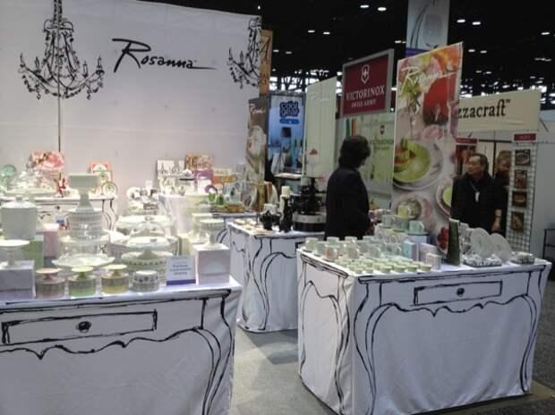 Скатерть с нарисованым столом