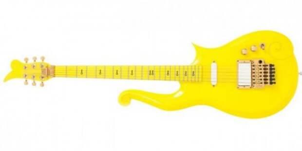 Одну из гитар покойного музыканта Принса выставили на аукцион