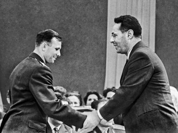 Почему Гитлер назначил награду за голову Юрия Левитана, и куда пропал диктор в 1970-х гг.