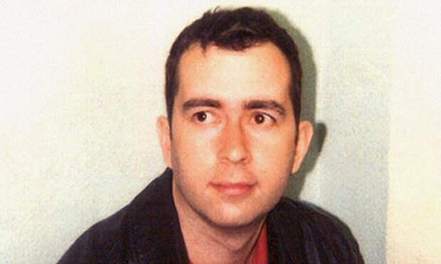 Роберт Хенди-Фригард (р. 1971) - агент спецслужб аферы, мошенники