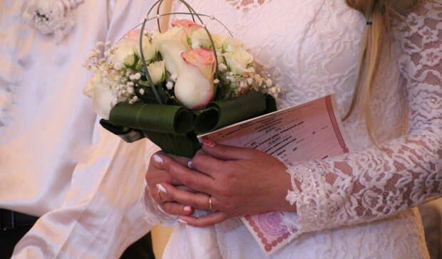 Пожилая пара вОренбурге испытала шок, узнав освоем разводе повине ЗАГС