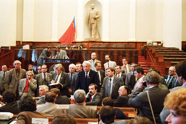 Первый съезд народных депутатов в РФ