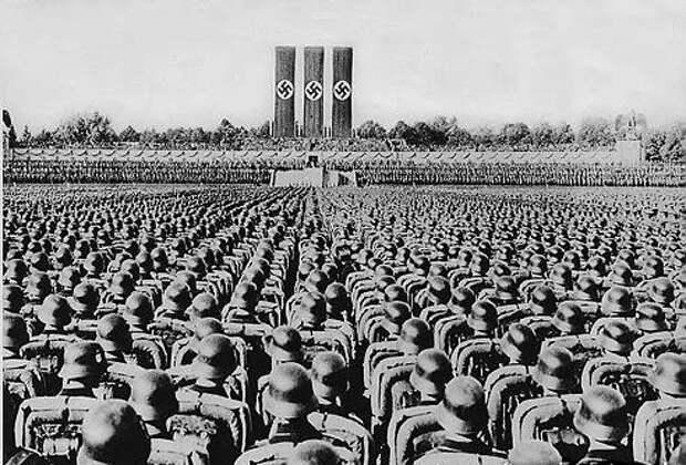 """Конец гитлеровской Германии. Е.Съянова. """"Как появился фашизм Гитлера?"""""""