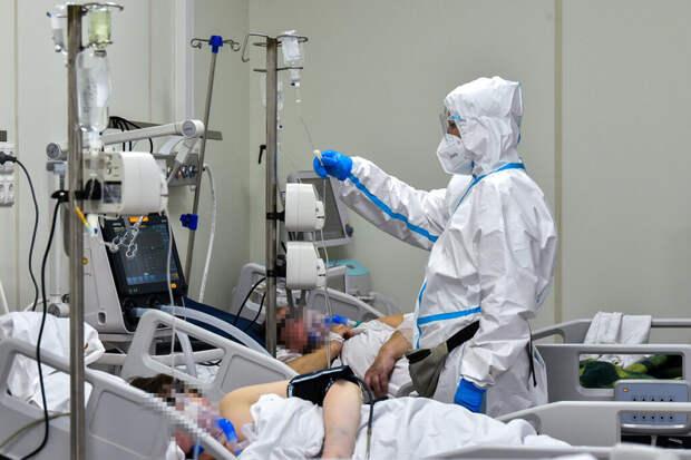 Врач сравнил смертность от COVID-19 среди вакцинированных и непривитых россиян
