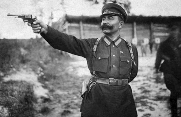 Как маршал Буденный научил воевать генералов Гитлера