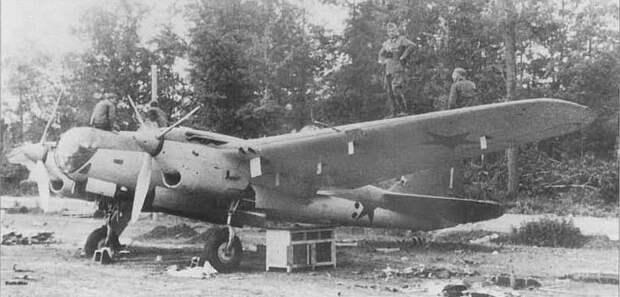 «Гастелло никак не мог совершить огненный таран». Как историк из Беларуси ищет сбитые самолеты