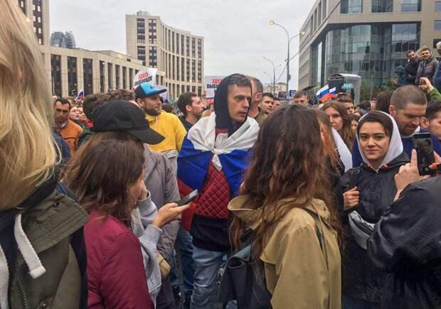 Face и Дудь не помогли: согласованный митинг в Москве не собрал аудиторию