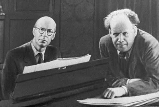Композитор и музыкант Сергей Прокофьев и кинорежиссер Сергей Эйзенштейн, 1943 год