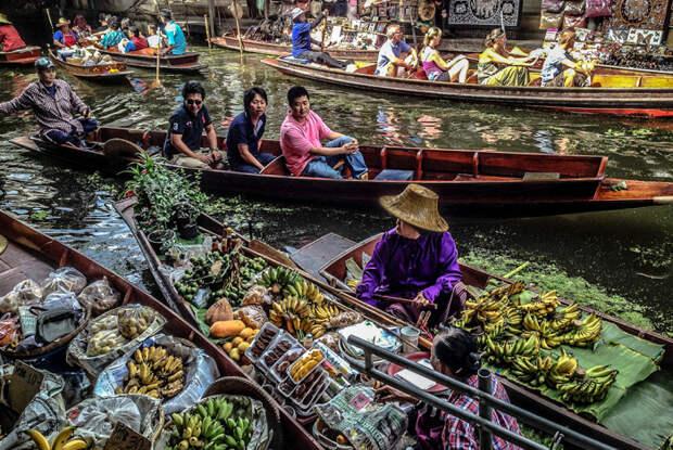 Рынок на лодках, Таиланд / Фото: en.wikipedia.org