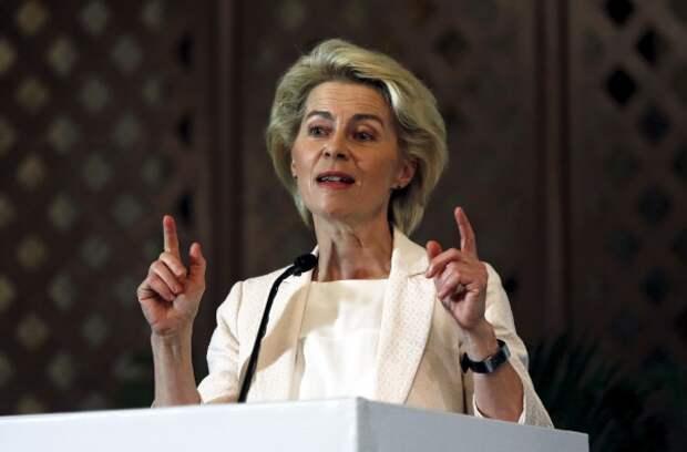 """Министр обороны Германии считает, что с Россией лучше разговаривать """"с позиции силы"""""""