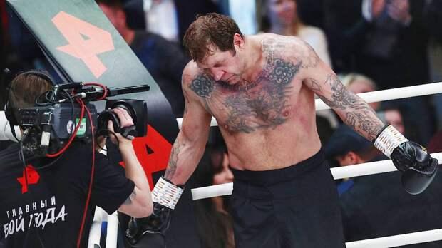 Фитнес-блогер Шреддер обвинил А. Емельяненко в применении допинга: «Не сомневаюсь, что он химичит перед боями»