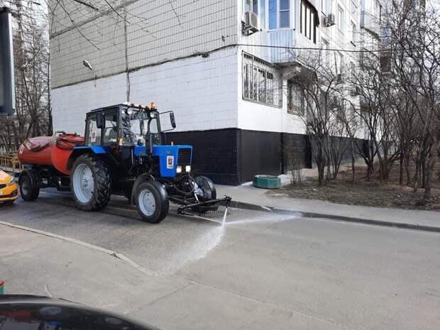 До конца недели на детские площадки в Бабушкинском завезут новый песок — управа