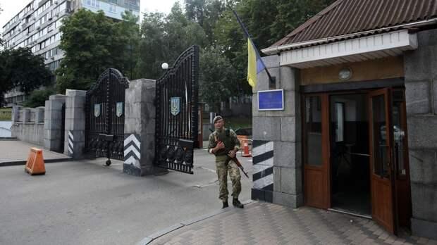 «Добиться концентрации власти»: как Зеленский провёл кадровые перестановки в украинском оборонном секторе