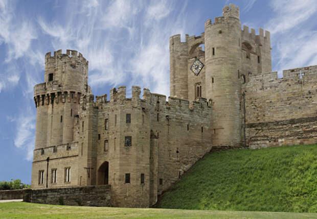 Уорикский замок, Великобритания история, мистика