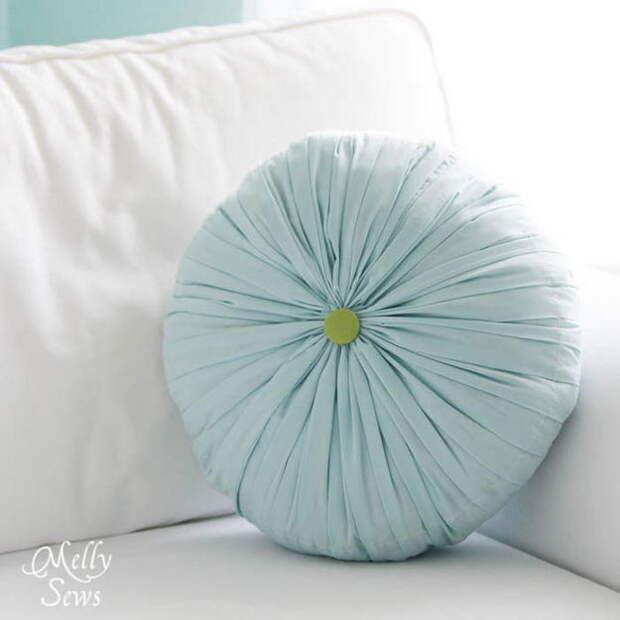 картинка украшаем интерьер, шьем круглую плиссированную подушку своими руками