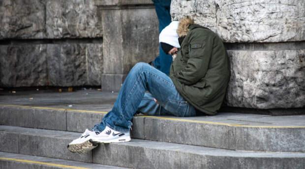 ВШЭ: россияне из среднего класса «упали» в бедность