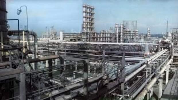 Нефтеперерабатывающий завод в Новокуйбышевске
