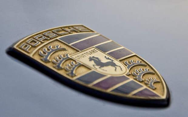 На логотипе Porsche появилась овца