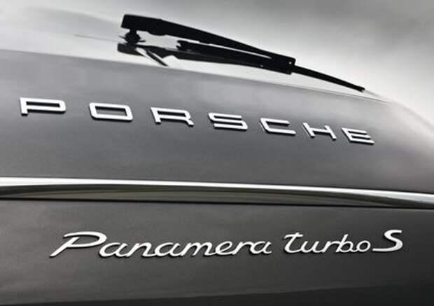 «Восьмерку» - пополам: новый двигатель Porsche объявил голодовку