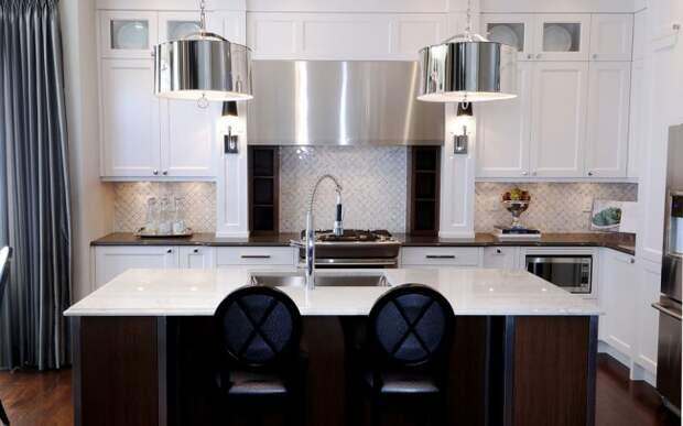 Даже небольшие детали интерьера из венге придают кухне особого настроения с нотками роскоши