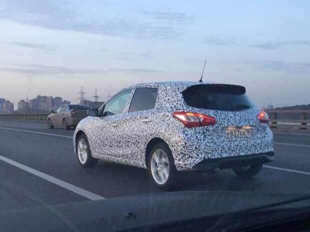 Nissan проводит дорожные испытания хэтчбека Sentra в России