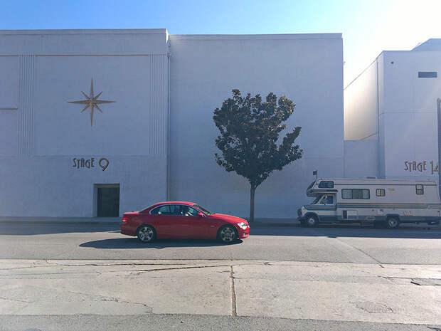 Это декорации. В смысле на заднем плане павильон киностудии. америка, асфальт, дороги, лос-анджелес