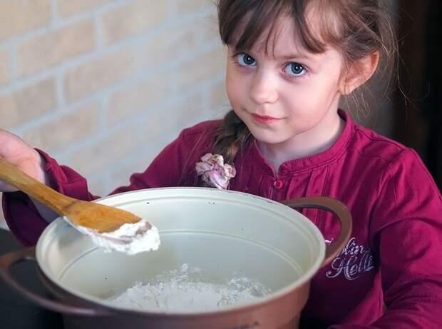 Делаем пирог с начинкой, если варенье — жидкое