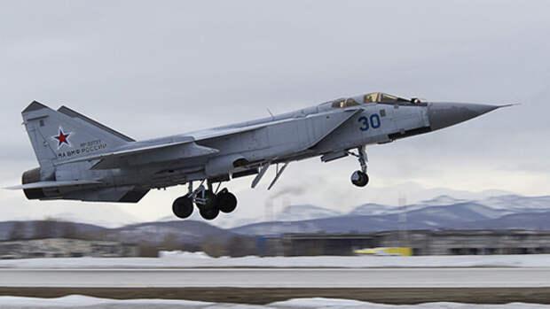 Российский флот и авиация проводят учения в Средиземном море
