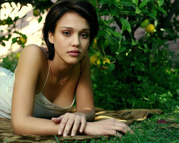Джессика Альба (Jessica Alba) в фотосессии Патрисии де ла Роса (Patricia de la Rosa) для журнала Maxim (1999), фото 2