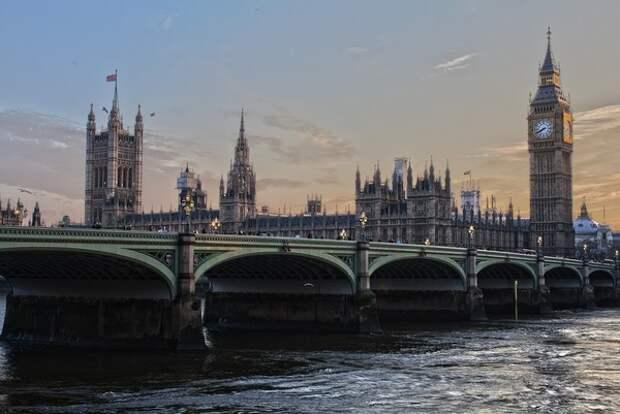 Британский парламент проголосовал против переноса сроков Brexit
