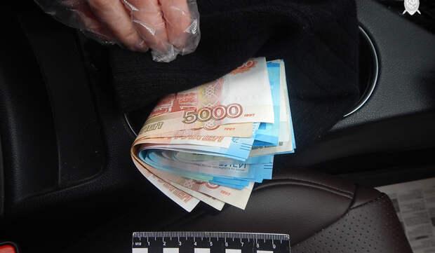 Житель Павловского района попался на даче взятки полицейскому