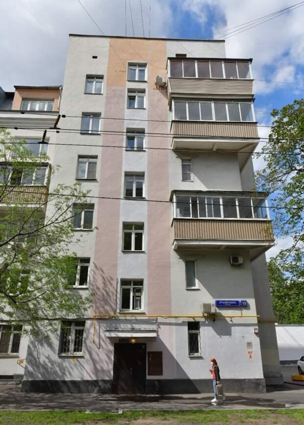 Окно на третьем этаже отремонтировали/Денис Афанасьев, «Юго-Восточный курьер»