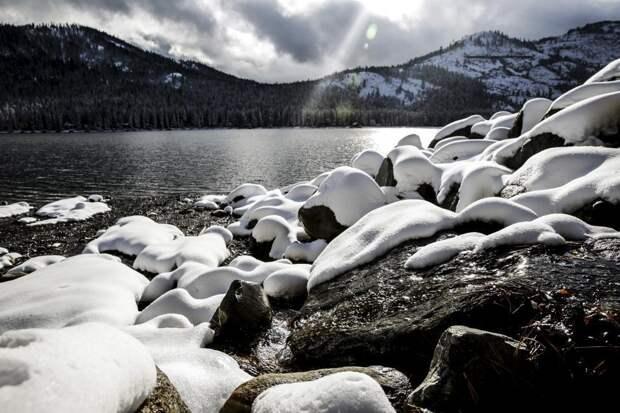 Великолепные пейзажи заснеженной Калифорнии