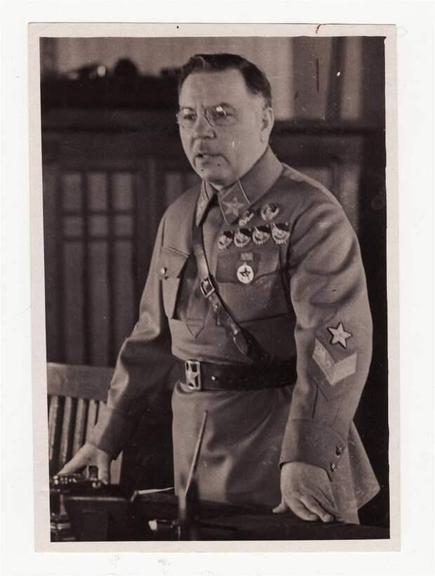 Ворошилов, 30-е гг..