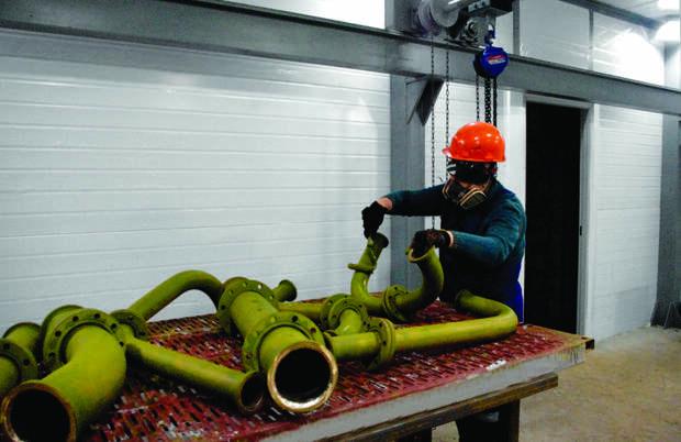 Работники керченского «Залива» бастуют против уменьшения зарплат